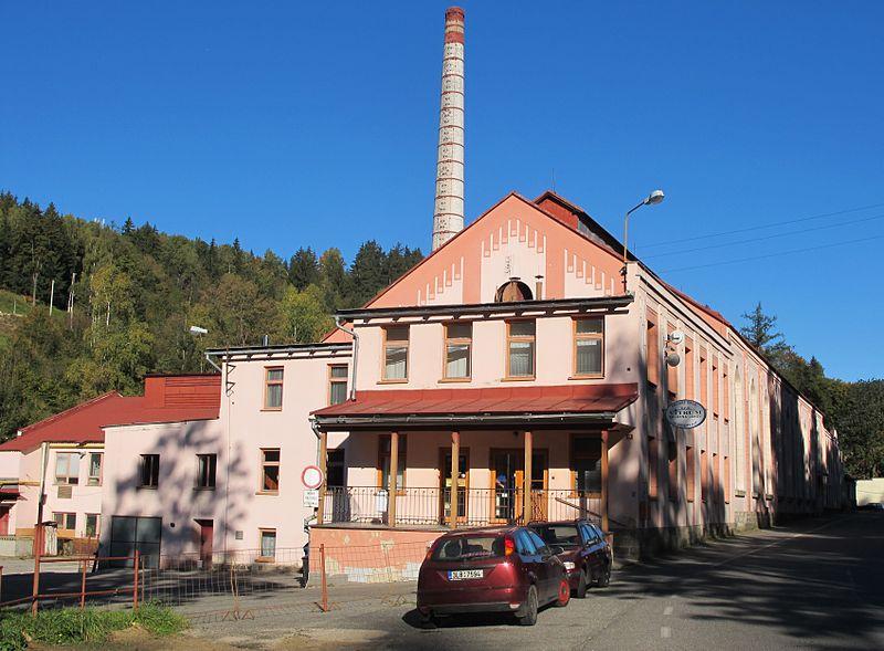 A 19th Century bead factory in Jablonec, Czechoslovakia. Huhulenik/ Wikimedia.org